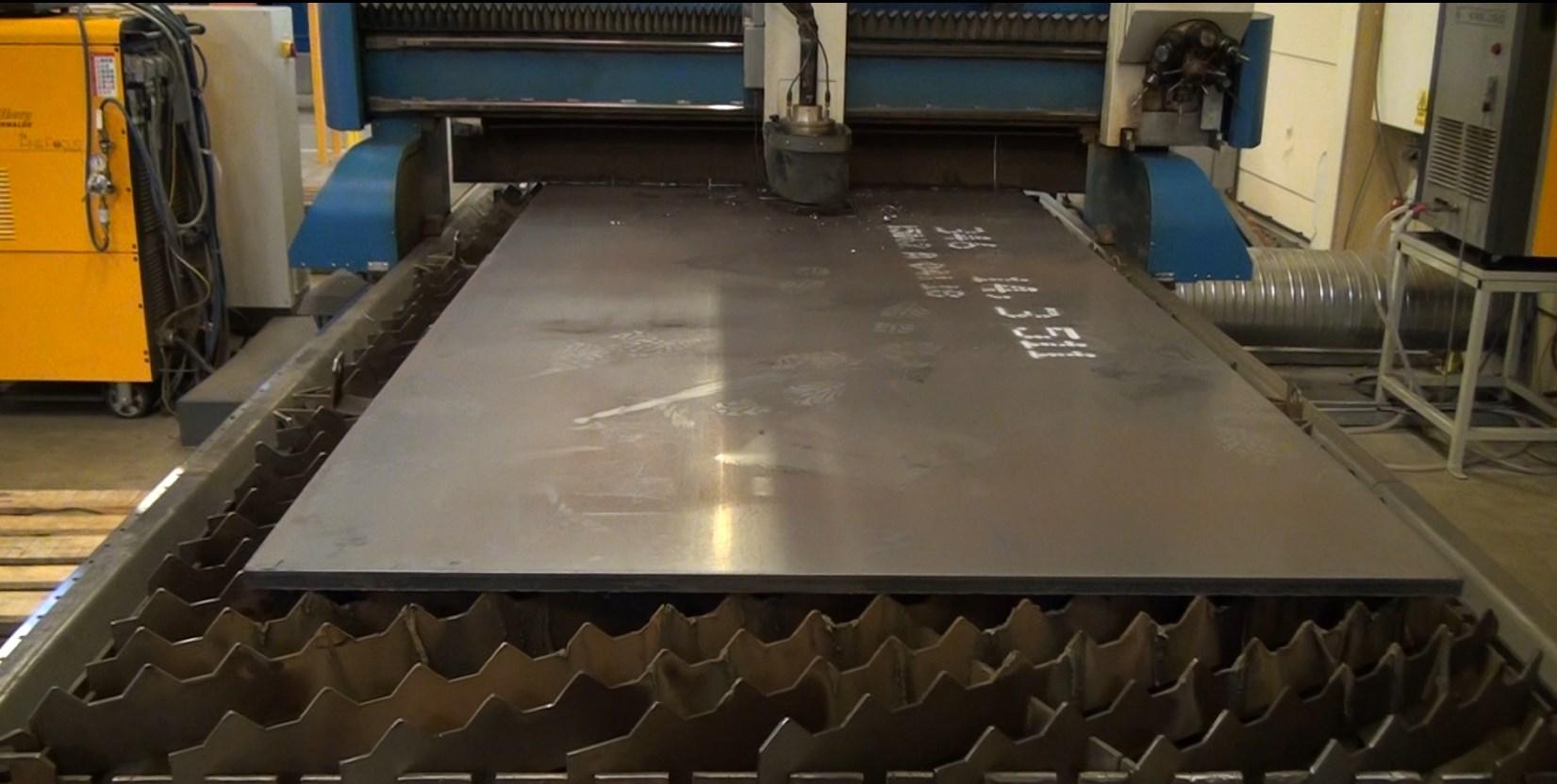 Image - Plasma cutting of plates